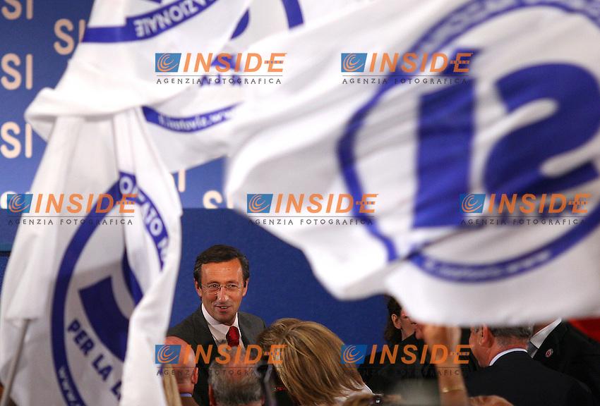 Roma, 21/06/2006 Manifestazione al Palazzo dei Congressi per il SI' al Referendum costituzionale promossa dal centro-destra. Nella foto Gianfranco Fini.<br /> Photo Samantha Zucchi Insidefoto