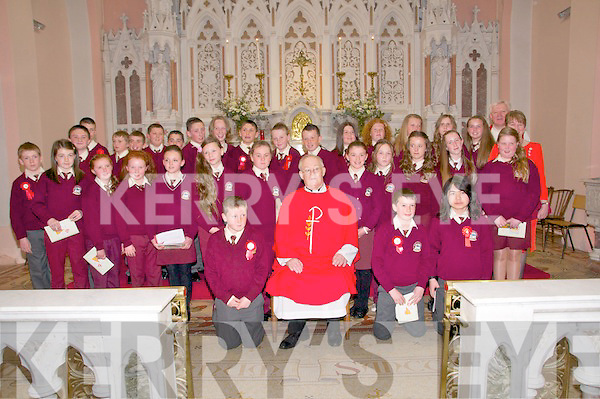 Pupils from Ballybunion NS who were confirmed in St. Hohn's Church, Ballybunion on Tuesday last by Fr. John Lawlor,PP, Ballydonoghue.