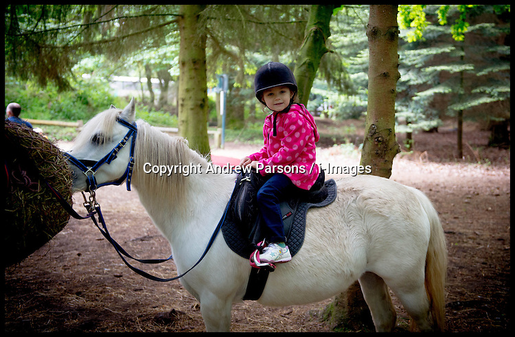 Yasmin Horse riding at Centre Parcs. Isaac has Chicken pots, Tuesday May 6th 2014. Photo By Andrew Parsons / i-Images