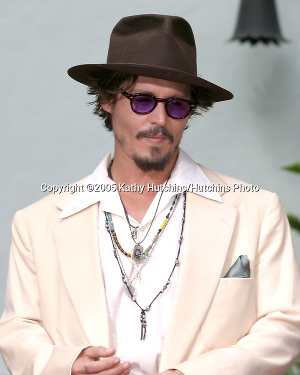 Johnny Depp.Handprint and Foodprint Ceremony for Johnny Depp.Grauman's Chinese Theater.Los Angeles, CA.September 16, 2005.©2005 Kathy Hutchins / Hutchins Photo