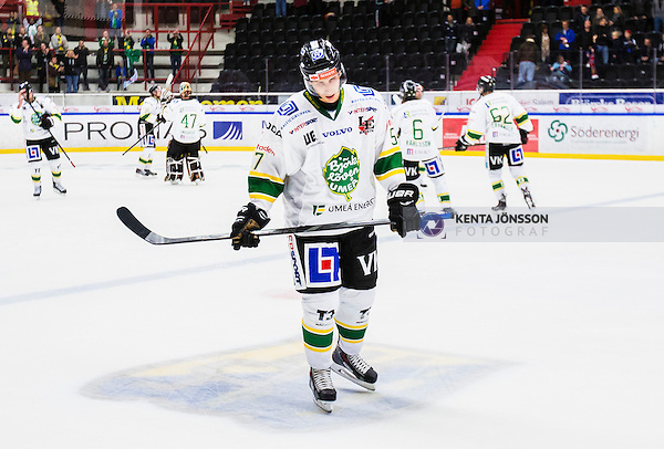 S&ouml;dert&auml;lje 2014-09-22 Ishockey Hockeyallsvenskan S&ouml;dert&auml;lje SK - IF Bj&ouml;rkl&ouml;ven :  <br /> Bj&ouml;rkl&ouml;vens Stefan Andersson deppar efter matchen<br /> (Foto: Kenta J&ouml;nsson) Nyckelord: Axa Sports Center Hockey Ishockey S&ouml;dert&auml;lje SK SSK Bj&ouml;rkl&ouml;ven L&ouml;ven IFB depp besviken besvikelse sorg ledsen deppig nedst&auml;md uppgiven sad disappointment disappointed dejected