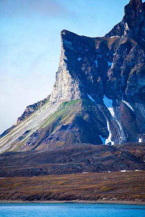 Mountain view, Isjforden, Svalbard