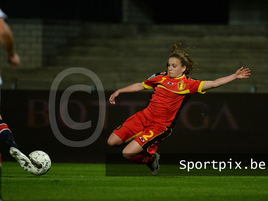 20140410 - LEUVEN , BELGIUM : Belgian Davina Philtjens (2) pictured during the female soccer match between Belgium and Norway, on the seventh matchday in group 5 of the UEFA qualifying round to the FIFA Women World Cup in Canada 2015 at Stadion Den Dreef , Leuven . Thursday 10th April 2014 . PHOTO DAVID CATRY