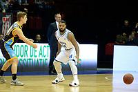 GRONINGEN - Basketbal, Donar - Den Helder Suns, Martiniplaza, Dutch Basketbal League,  seizoen 2018-2019, 27-11-2018,  Donar speler Lance Jeter verdedigt