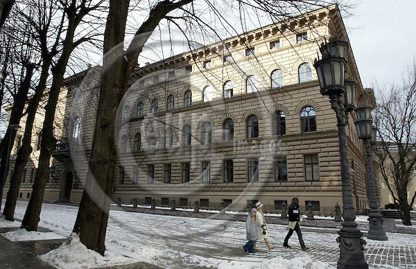 RIGA - LATVIA - 23 FEBRUARY 2004--Riga the capital of Latvia. -- The Latvian Parliament (Saima). -- PHOTO:  JUHA ROININEN / EUP-IMAGES
