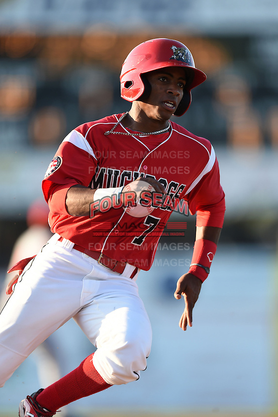 Batavia Muckdogs second baseman Mason Davis (7) rounds third during a game against the Brooklyn Cyclones on August 9, 2014 at Dwyer Stadium in Batavia, New York.  Batavia defeated Brooklyn 4-2.  (Mike Janes/Four Seam Images)