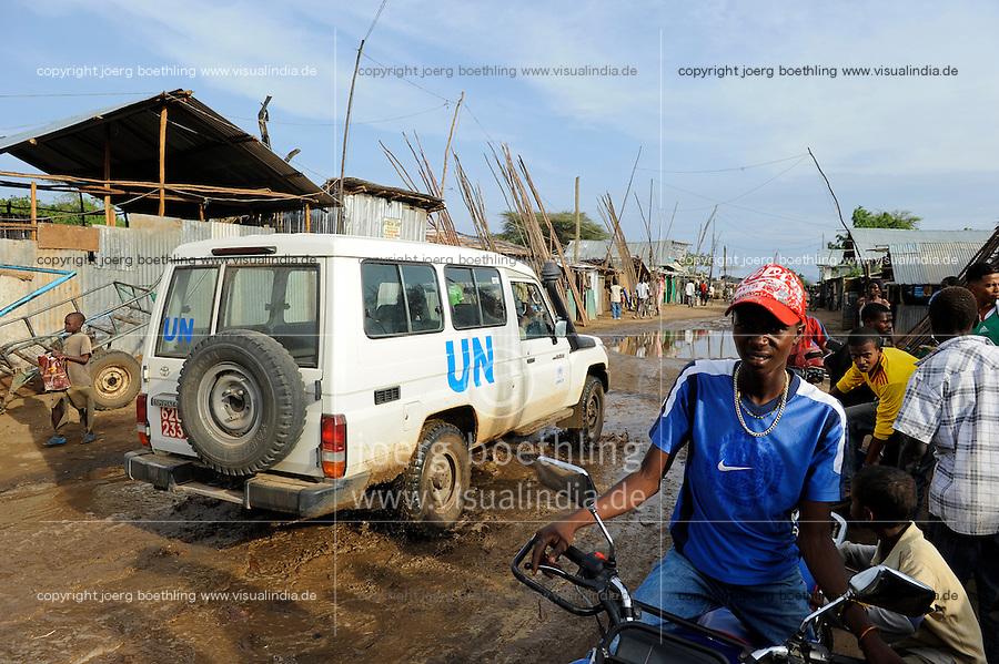 KENIA Fluechtlingslager Kakuma in der Turkana Region , hier werden ca. 80.000 Fluechtlinge aus Somalia Sudan Aethiopien u.a. vom UNHCR versorgt / KENYA Turkana Region, refugee camp Kakuma, where 80.000 refugees from Somali, Ethiopia, South Sudan receive shelter and food from UNHCR