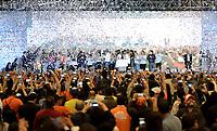 BOGOTA - COLOMBIA, 17-06-2018: Ivan Duque, presidente electo y candidato presidencial por el partido Centro Democrático celebra al finalizar la segunda vuelta de las elecciones presidenciales de Colombia 2018 hoy domingo 17 de junio de 2018. El candidato ganador gobernará por un periodo máximo de 4 años fijado entre el 7 de agosto de 2018 y el 7 de agosto de 2022. / Ivan Duque, elected president and presidential candidate for the Centro Democratico party, celebrates after Colombia's second round of 2018 presidential election today Sunday, June 17, 2018. The winning candidate will govern for a maximum period of 4 years fixed between August 7, 2018 and August 7, 2022. Photo: VizzorImage / Gabriel Aponte / Staff