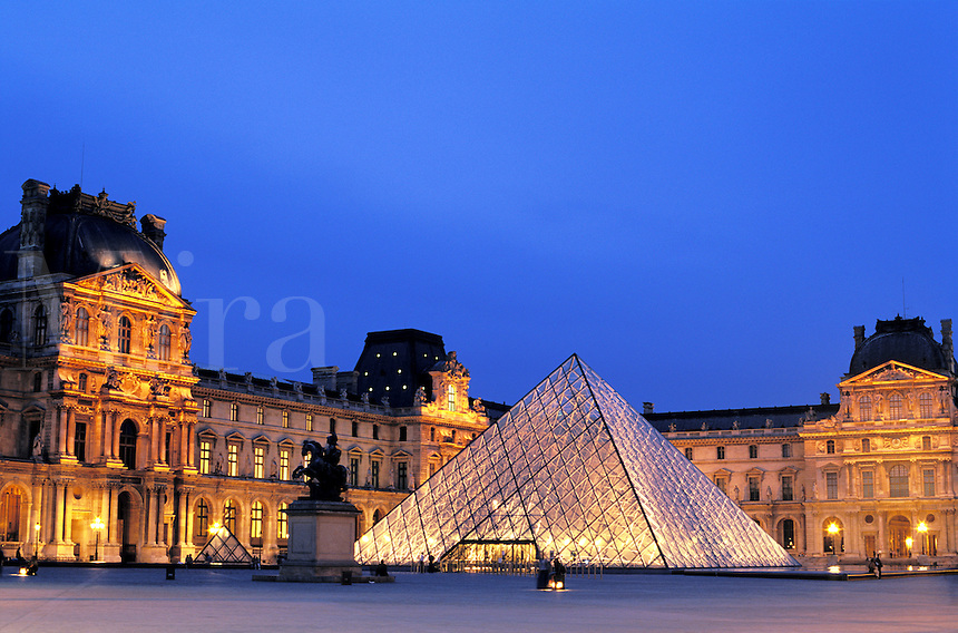 France, Paris, The Louvre..NO PROPERTY RELEAS