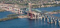 Photo aerienne de la construction du nouveau pont Champlain<br /> <br /> PHOTO : Denis Germain<br />  - Agence Quebec Presse