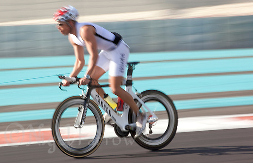 13 MAR 2010 - ABU DHABI, UAE - Abu Dhabi International Triathlon (PHOTO (C) NIGEL FARROW)
