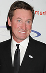 wwCENTURY CITY, CA - MAY 20: Wayne Gretzky arrive at the 27th Anniversary of Sports Spectacular at the Hyatt Regency Century Plaza on May 20, 2012 in Century City, California.