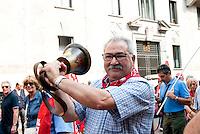 Sciopero generale contro la manovra economica del governo indetto da CGIL. Corteo. Milano, 25 giugno 2010.<br /> <br /> General strike against  economic government's action organized by labour unions. demonstration. Milan, June 25, 2010