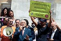 Roma, 28 Luglio 2017<br /> Ferdinando Imposimato.<br /> Associazioni di genitori contro l'obbligo vaccinale protestano in Piazza Montecitorio durante il voto finale alla Camera dei Deputati