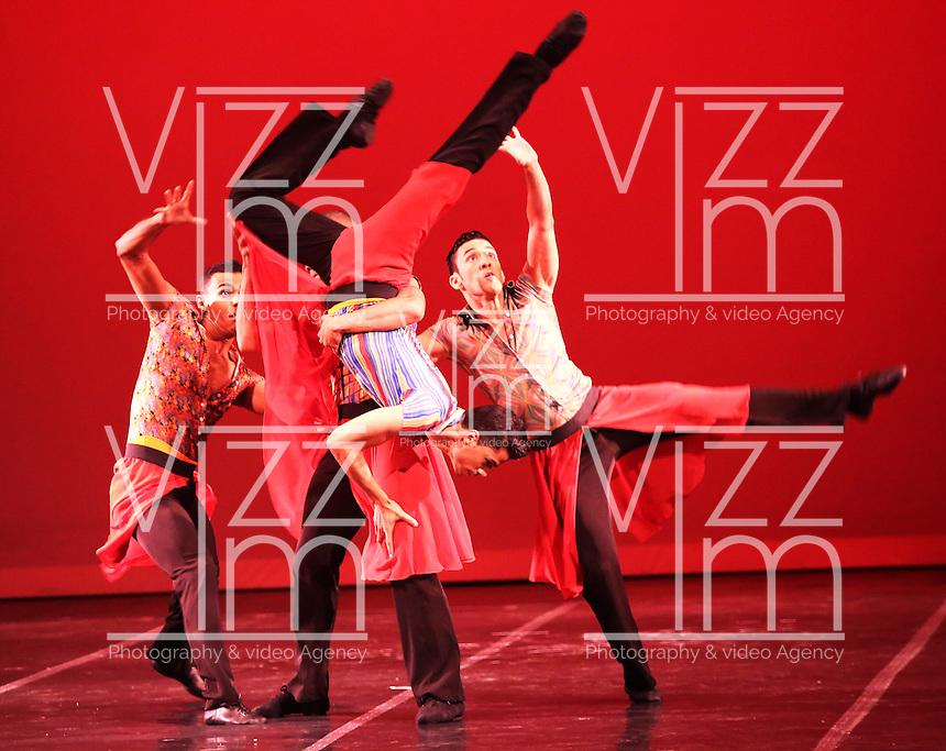 CALI - COLOMBIA- 03-06-2013: Presentacion del Ballet Nacional Dominicano en el teatro Municipal de Cali en el séptimo  Festival Internacional de Ballet, Incolballet,  junio 3 de 2013. Fundado en 1981, desde entonces reúne a lo mejor de la danza clásica  e interpretativa  en República Dominicana. Nace de la fusión de los bailarines profesionales egresados en aquel entonces  de las   dos mejores escuelas del país. Desde su creación ha recibido a más de 50 profesores, bailarines y coreógrafos internacionales  afianzando los vínculos culturales con otros países. (Foto: VizzorImage / Juan C. Quintero / Str.).  Presentation of the Dominican National Ballet at the Theatre Municipal de Cali in the seventh International Ballet Incolballet Festival, June 3, 2013. Founded in 1981, since then brings together the best of classical dance and interpretive in Dominican Republic. Born from the fusion of professional dancers graduates at the time of the two best schools in the country. Since its creation it has received more than 50 teachers, dancers and choreographers strengthening international cultural links with other countries. (Photo: VizzorImage / John C. Quintero / Str)