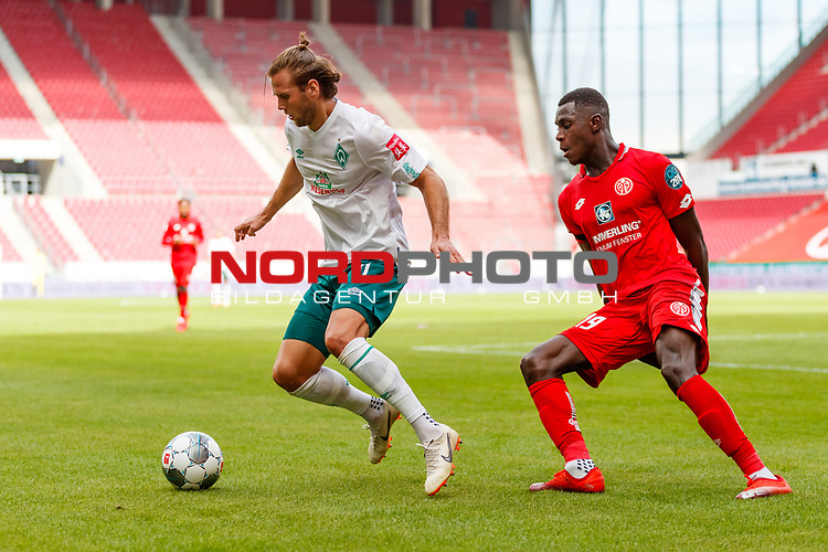 Niclas Fuellkrug (SV Werder Bremen) im Zweikampf mit Moussa Niakhate (FSV Mainz 05), <br /> <br /> Sport: Fussball: 1. Bundesliga:: nphgm001:  Saison 19/20: 33. Spieltag: 1. FSV Mainz 05 vs SV Werder Bremen 20.06.2020<br /> Foto: Neis/Eibner/Pool/via gumzmedia/nordphoto<br />