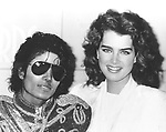 MICHAEL JACKSON 1983 with Brooke Shields at American Music Awards