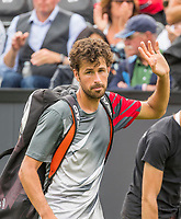 Den Bosch, Netherlands, 13 June, 2017, Tennis, Ricoh Open, Robin Haase (NED) waves to the crowd af he leaves the court<br /> Photo: Henk Koster/tennisimages.com