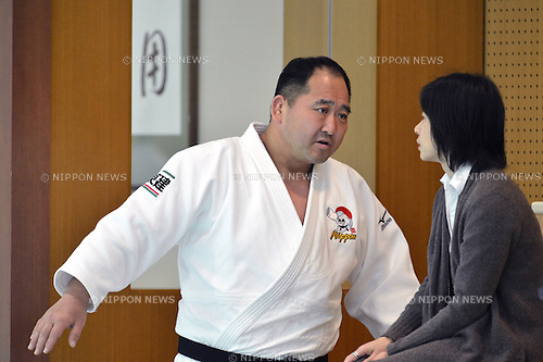 (L to R)  Hitoshi Saito (JPN), Kaori Yamaguchi ,.MARCH 27, 2013 - Judo : Japan women's team training session at Ajinomoto National training center, Tokyo, Japan. (Photo by Jun Tsukida/AFLO SPORT).
