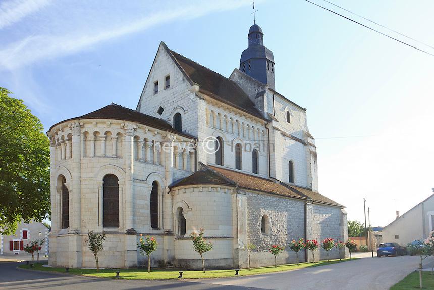 France, Indre (36), Saint-Genou, l'église abbatiale // France, Indre, Saint-Genou, the church