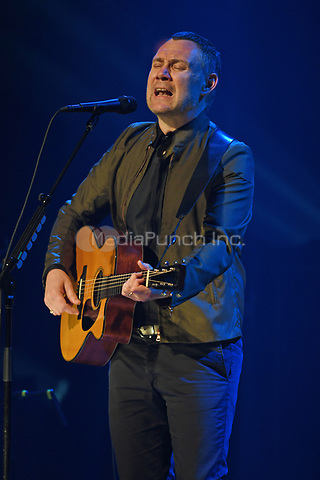 FORT LAUDERDALE, FL - SEPTEMBER 26: David Gray performs at The Parker Playhouse on September 26, 2017 in Fort Lauderdale, Florida. Credit: mpi04/MediaPunch