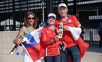 NEW JERSEY - UNITED STATES, 26-06-2016: Hinchas de Chile previo al encuentro entre Argentina (ARG) y Chile (CHI) durante partido por la final de la Copa América Centenario USA 2016 jugado en el estadio Metlife en New Jersey, NJ, USA. /  Fans of Chile prior the match between Argentina (ARG) and Chile (CHI) for the final of the Copa América Centenario USA 2016 played at Metlife stadium in New Jersey, NJ, USA. Photo: VizzorImage/ Luis Alvarez /Str