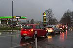 11.12.2014, Chemnitz,  Stadion an der Gellertstra&szlig;e, GER,  Spirtpreise wie zu OMA`s zeiten - alles f&uuml;r 99 Cent, im Bild<br /> <br /> Da staunten die Autofahrer im nieders&auml;chsischen Lohne (Landkreis Vechta) nicht schlecht als am Doinnerstag morgen die Preise an der HEM Tankstelle alle auf 99 Cent f&uuml;r 1 Stunde gesenkt wurden. Schnell entwickelte sich ein Verkehrschaos rund um die tanke, bis um 10 Uhr als die normalen Preise wieder angezeigt wurden<br /> <br /> Foto &copy; nordphoto / KFOTO / Kokenge