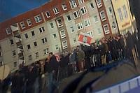 Zum 75. Jahrestag der Reichspogromnacht marschierten bis zu 200 Neonazis von der NPD durch die mecklenburgische Kleinstadt Friedland und protestierten gegen ein geplantes Fluechtlingsheim.<br />Mehrere hundert Gegendemonstranten demonstrieten lautstark gegen den Aufmarsch.<br />9.11.2013, Berlin<br />Copyright: Christian-Ditsch.de<br />[Inhaltsveraendernde Manipulation des Fotos nur nach ausdruecklicher Genehmigung des Fotografen. Vereinbarungen ueber Abtretung von Persoenlichkeitsrechten/Model Release der abgebildeten Person/Personen liegen nicht vor. NO MODEL RELEASE! Don't publish without copyright Christian Ditsch/version-foto.de, Veroeffentlichung nur mit Fotografennennung, sowie gegen Honorar, MwSt. und Beleg. Konto:, I N G - D i B a, IBAN DE58500105175400192269, BIC INGDDEFFXXX, Kontakt: post@christian-ditsch.de.<br />Urhebervermerk wird gemaess Paragraph 13 UHG verlangt.]