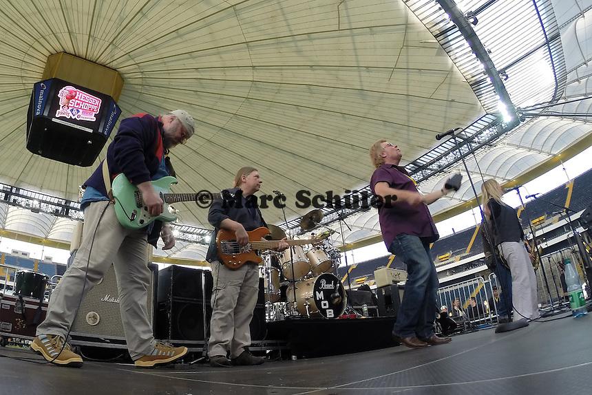 Auftritt der Rodgau Monotones - Frankfurt Universe vs. Wiesbaden Phantoms, Hessen Schoppe, Commerzbank Arena