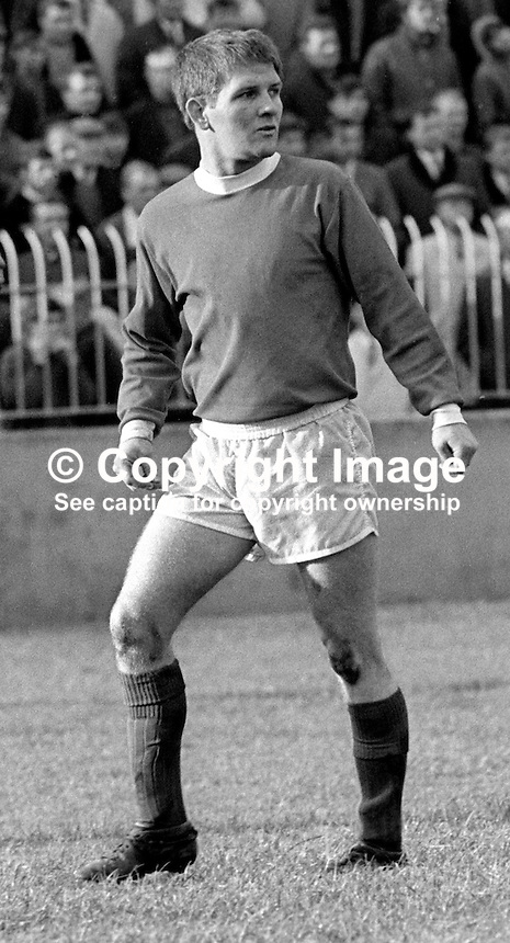 Sammy Pavis, footballer, Linfield FC, Belfast, N Ireland, action, November 1968, 196811000167<br /> <br /> Copyright Image from Victor Patterson, 54 Dorchester Park, Belfast, UK, BT9 6RJ<br /> <br /> t: +44 28 90661296<br /> m: +44 7802 353836<br /> vm: +44 20 88167153<br /> e1: victorpatterson@me.com<br /> e2: victorpatterson@gmail.com<br /> <br /> For my Terms and Conditions of Use go to www.victorpatterson.com
