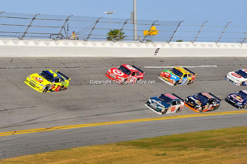 Feb 12, 2009; 4:18:39 PM; Daytona Beach, FL, USA; NASCAR Sprint Cup Series race of the Gatorade Duel at Daytona International Speedway.  Mandatory Credit: (thesportswire.net)
