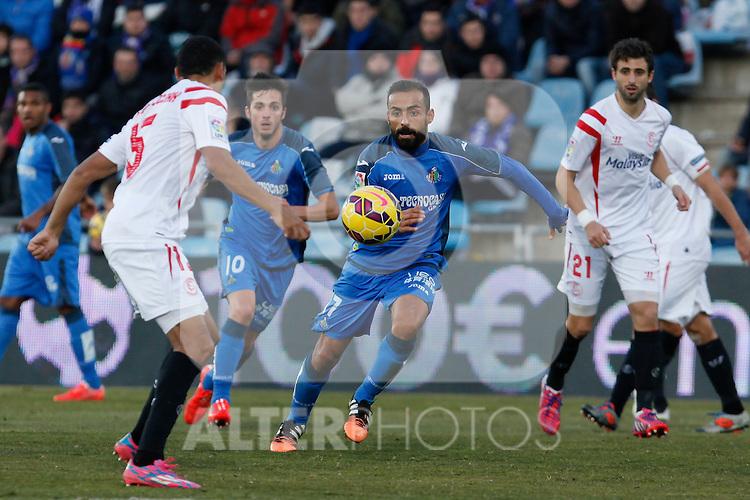 Getafe´s Roberto Lago during 2014-15 La Liga match at Alfonso Perez Coliseum stadium in Getafe, Spain. February 08, 2015. (ALTERPHOTOS/Victor Blanco)