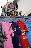 "S?dasien Asien Indien IND Tirupur , T-shirt zum Verkauf auf der Strasse vor Hindutempel. -  Textilindustrie xagndaz | .South Asia India , Tirupur , T-shirts at street sale in front of Hindu temple .| [ copyright (c) Joerg Boethling / agenda , Veroeffentlichung nur gegen Honorar und Belegexemplar an / publication only with royalties and copy to:  agenda PG   Rothestr. 66   Germany D-22765 Hamburg   ph. ++49 40 391 907 14   e-mail: boethling@agenda-fototext.de   www.agenda-fototext.de   Bank: Hamburger Sparkasse  BLZ 200 505 50  Kto. 1281 120 178   IBAN: DE96 2005 0550 1281 1201 78   BIC: ""HASPDEHH"" ,  WEITERE MOTIVE ZU DIESEM THEMA SIND VORHANDEN!! MORE PICTURES ON THIS SUBJECT AVAILABLE!! INDIA PHOTO ARCHIVE: http://www.visualindia.net ] [#0,26,121#]"