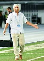 BARRANQUIILLA - COLOMBIA, 28-02-2020: Julio Comesaña técnico del Junior gesticula durante el partido por la fecha 7 de la Liga BetPlay DIMAYOR I 2020 entre Atlético Junior y Jaguares de Córdoba jugado en el estadio Metropolitano Roberto Melendez de la ciudad de Barranquilla. / Julio Comesaña coach of Junior gestures during match for the date 7 as part of BetPlay DIMAYOR League I 2020 between Atletico Junior and Jaguares de Cordoba played at Metropolitano Roberto Melendez stadium in Barranquilla city.  Photo: VizzorImage / Alfonso Cervantes / Cont