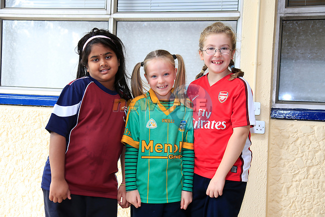 Geerthana selvajah<br /> Katie orourke<br /> Niamh Walsh<br /> GOAL Jersey Day in Marymount National School.<br /> Picture Fran Caffrey www.golffile.ie