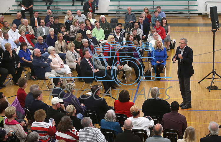 Former Florida Gov. Jeb Bush speaks at a town hall meeting in Reno, Nev., on Wednesday, May 13, 2015.   <br /> Photo by Cathleen Allison