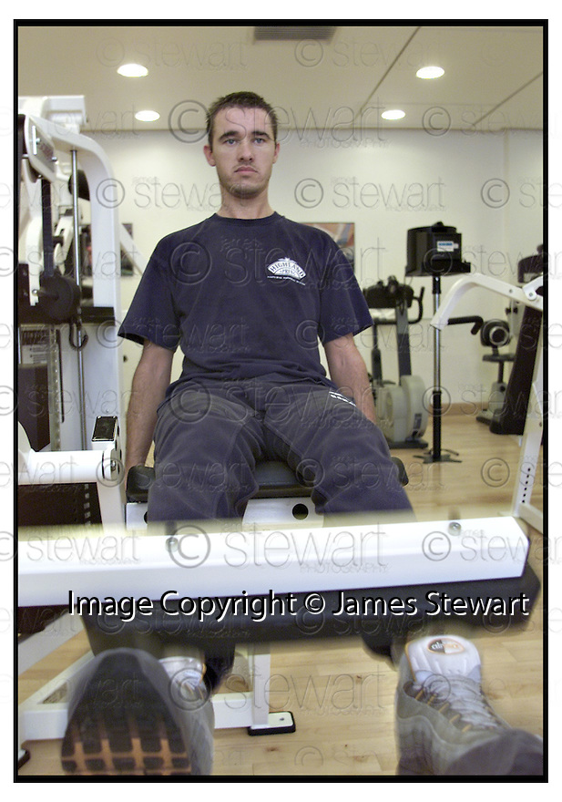 16th October 2000    Copyright Pic : James Stewart.File Name : stewart12-stephen henry.STEPHEN HENRY WORKS OUT IN THE FITNESS SUITE AT GLENEAGLES HOTEL.....Payments to :-.James Stewart Photo Agency, Stewart House, Stewart Road, Falkirk. FK2 7AS      Vat Reg No. 607 6932 25.Office : 01324 630007        Mobile : 07721 416997.E-Mail : jim@jspa.co.uk.If you require further information then contact Jim Stewart on any of the numbers above.........