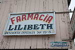the signs in puerto lopez are all had painted as this sign of the farmacy. Already for years you get discounts