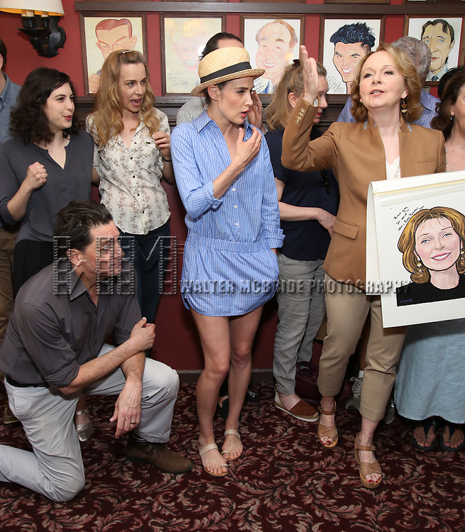 Reg Rogers, Tedra Millan, Ellen Harvey, Cobie Smulders and Kate Burton attend the Sardi's Caricature Unveiling for Kate Burton joining the Legendary Wall of Fame at Sardi's on June 28, 2017 in New York City.
