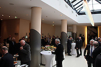 Delegierte des DFB-Bundestag am Buffet