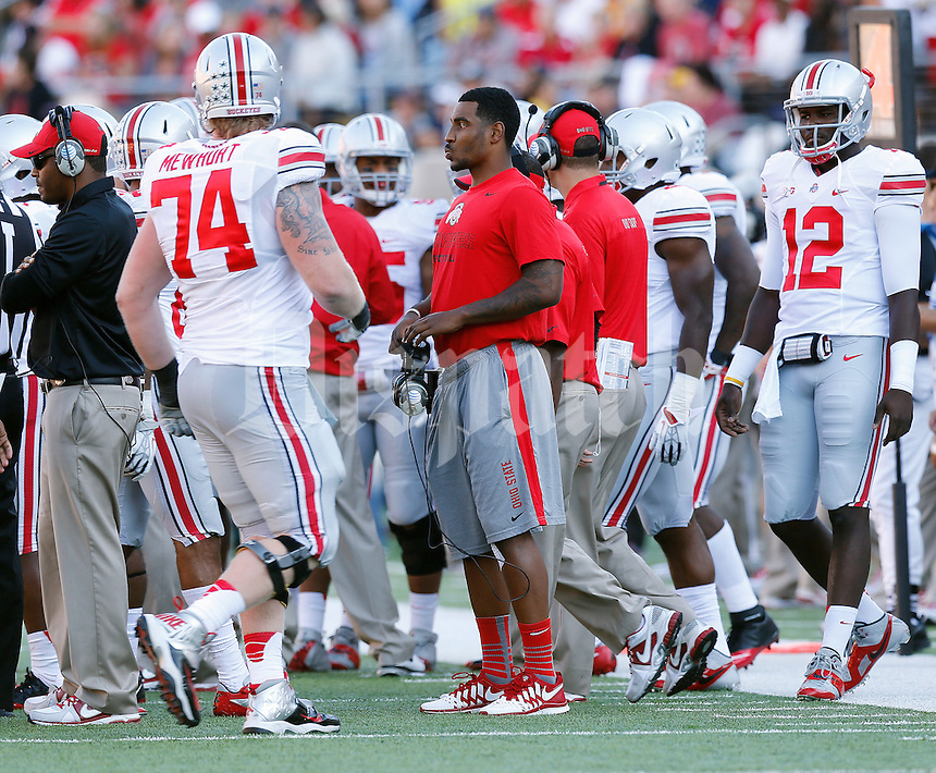 Ohio State Buckeyes quarterback Braxton Miller (5) wears street clothes on the sideline after a knee injury forced him out of the  NCAA football game against California at Memorial Stadium in Berkeley, California on Sept. 14, 2013. (Adam Cairns / The Columbus Dispatch)