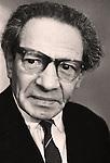 Telepath and hypnotist Wolf Messing (1899-1974). / Вольф Григорьевич Мессинг (1899-1974) - эстрадный артист, выступавший в СССР с психологическими опытами «по чтению мыслей» зрителей, заслуженный артист РСФСР.