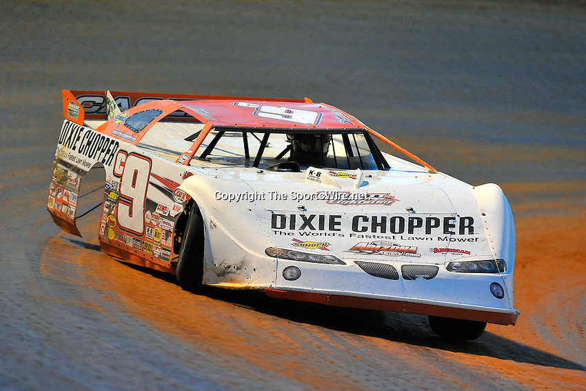 May 22, 2009; 8:28:32 PM; West Plains, Mo., USA; The 17th Annual of the Show-Me 100 Lucas Oil Series sanctioned event running at the West Plains Motor Speedway.  Mandatory Credit: (thesportswire.net)