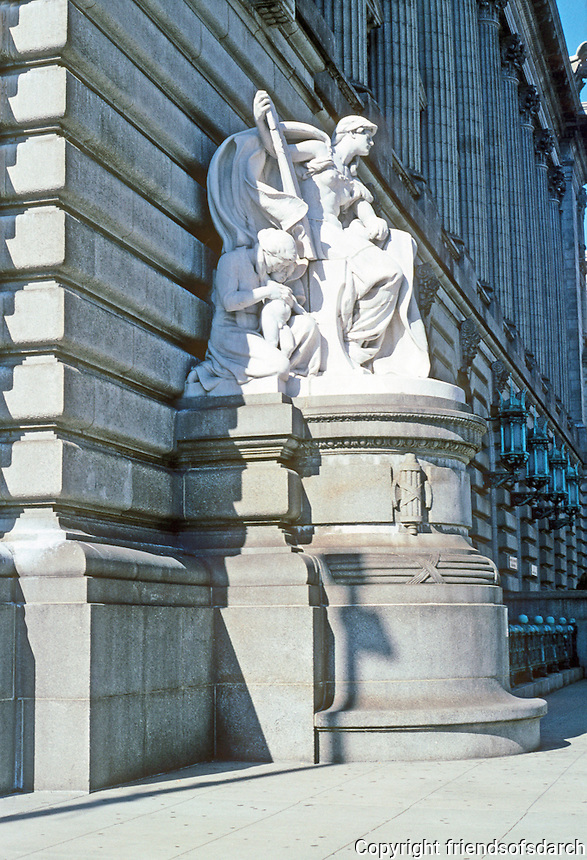"Cleveland: Old Federal Building. Daniel Chester French ""Jurisprudence"". White marble and granite, 1911. South elevation of building. At other end, ""Commerce"". Photo '01."