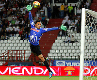 MANIZALES  -COLOMBIA. 14-SEPTIEMBRE-2014. Jorge Henriquez guardameta de Alianza Petrolera  en accion contra  el   Once Caldas  partido de la novena fecha de La Liga Postobon II jugado en el estadio Palogrande . / Jorge Henriquez goalkeeper of Alianza Petrolera   in  accion against Once Caldas   match of the ninth round of La Liga Postobon he played in Palogrande Stadium Photo:  VizzorImage / Santiago Osorio / Stringer