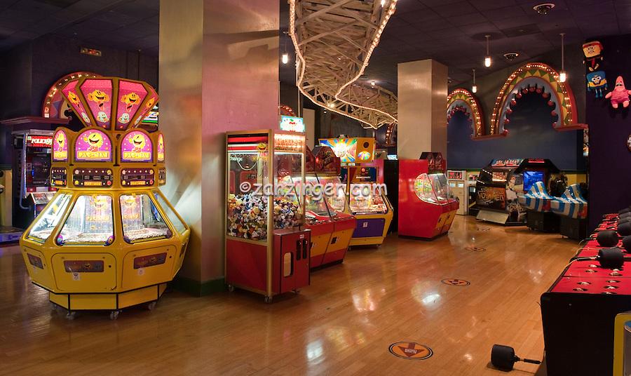 Arcade Amusements with prizes, stuffed animals, Las Vegas, Nevada, New York, NY, Hotel, and, Casino Resort, Travel; Destination; View; Unique; Quality