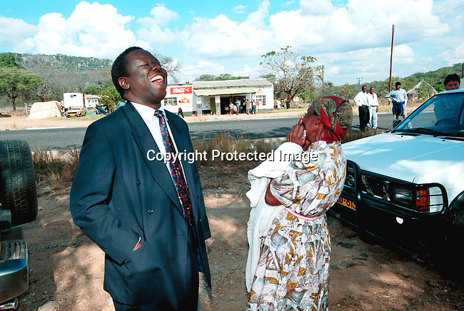 dicozim00119 Morgan Tsvangirai, the MDC (Movement for democratic change) leader, stopping in rural Zimbabwe on his way to vote during the parlamentary elections in Zimbabwe on June 24-25, 2000. Mr Tsvangirai is a serious threat to President Robert Mugabe in the upcoming presidental elections in 2002.  .©Per-Anders Pettersson/iAfrika Photos