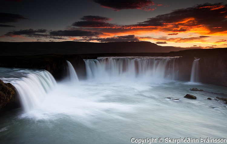 Goðafoss (Waterfall of the Gods) in Skjálfandafljót, north Iceland