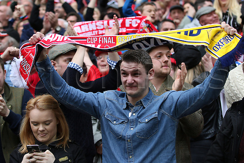 03.04.2016. Wembley Stadium,  London, England. Johnstones Paint Trophy Football Final Barnsley versus  Oxford Utd. Emotional Barnsley fans celebrate winning