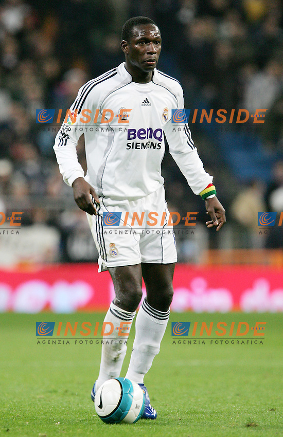 Real Madrid's Mahamadou Diarra during Spain's La Liga match at Santiago Bernabeu stadium in Madrid, Sunday February 04, 2007. (INSIDE/ALTERPHOTOS/Alvaro Hernandez).